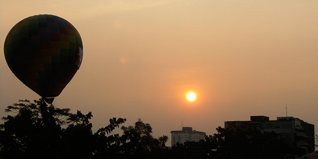 Hot-Air-Balloon-Over-Jakarta