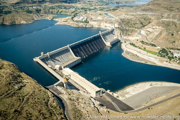 US Washington, Columbia River Basin, aerial view from helicopter of Grand Coulee Dam