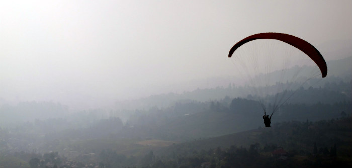 paragliding in puncak indonesia